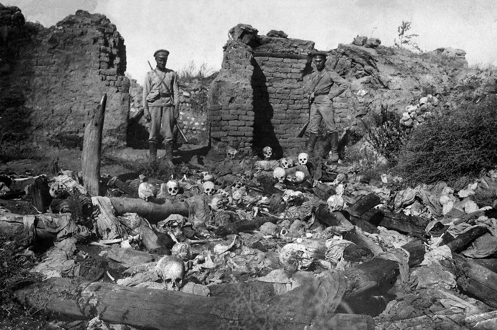 »Kdo se danes še spominja  uničenja Armencev?«