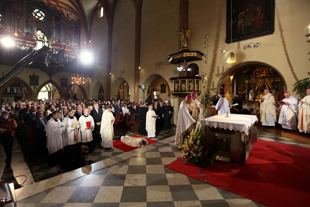 Jezuit Aljozij Cvikl tudi formalno postal tretji mariborski nadškof
