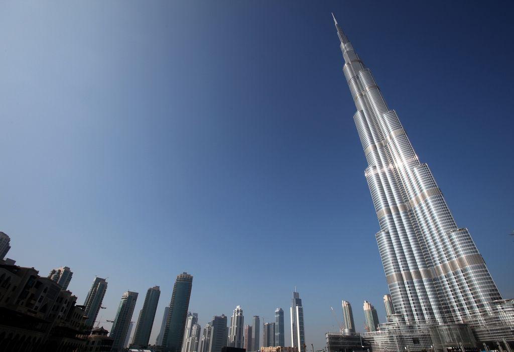 Samomor z najvišje stolpnice na svetu