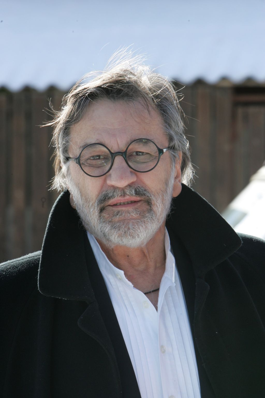 Umrl je Dragan Nikolić