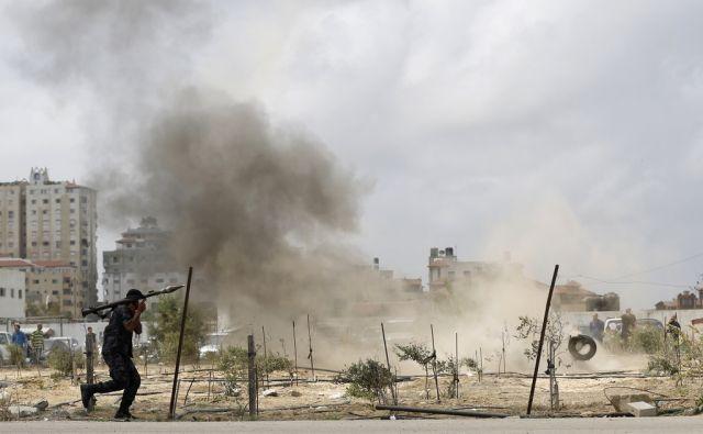 TOPSHOTS-PALESTINIAN-ISRAEL-GAZA-CONFLICT-HAMAS