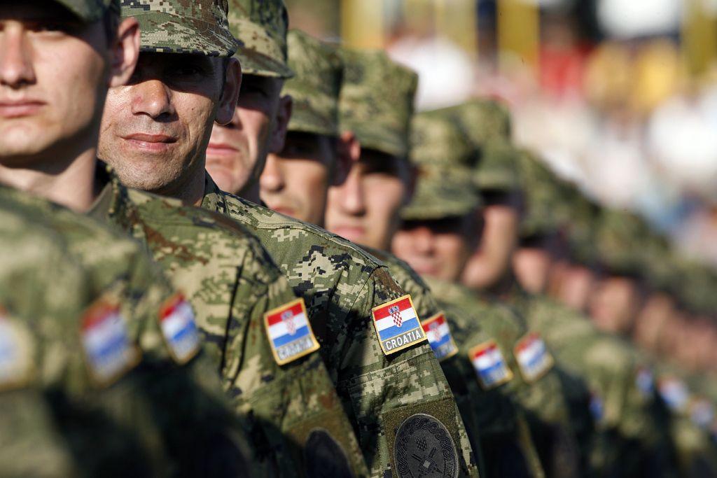 Hrvaška vlada potrdila možnost napotitve vojakov na mejo