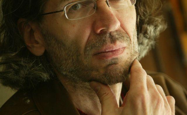 Slovenija, Ljubljana, 29. 03. 2005, Jure Potokar, pesnik, glasbeni kritik, ...  FOTO: JURE EREN/Delo