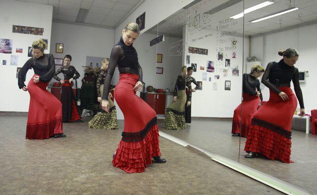 Plesno kulturno društvo CoraViento, ki plešejo flamenko v Ljubljani, 11. junija 2015