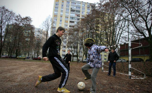 Slovenija, Ljubljana, 28.12.2011. Stanovanjski bloki v Stepanjskem naselju v Ljubljani. Foto: Uros HOCEVAR/Delo