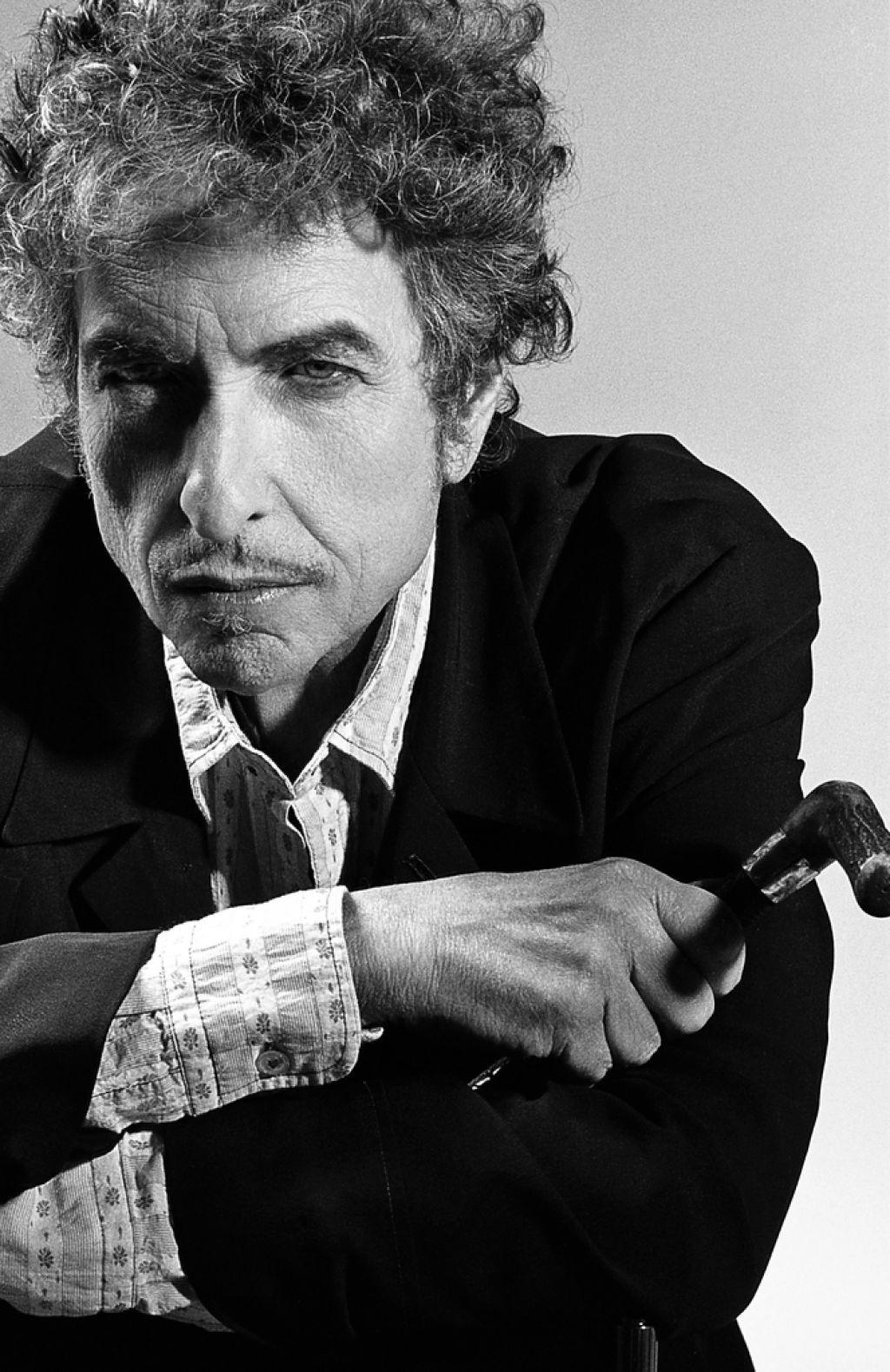 Dražba: Za kitaro Boba Dylana pričakujejo vsaj 400.000 dolarjev