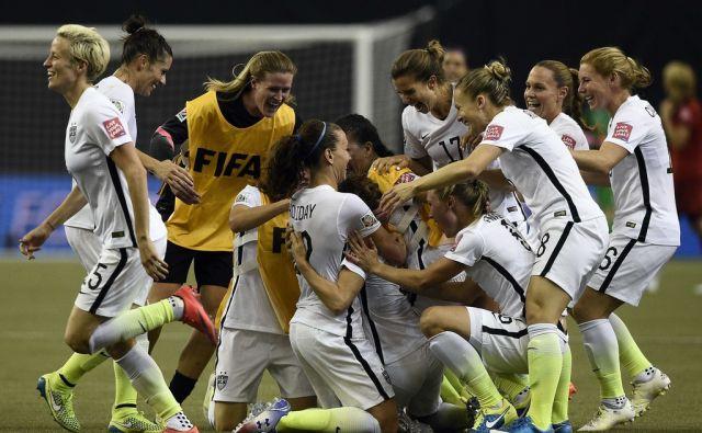 FBL-WC-2015-WOMEN-MATCH49-USA-GER