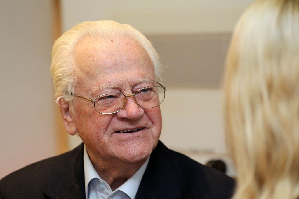 In memoriam: Slavko Avsenik (1929–2015)