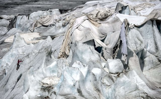 TOPSHOTS-SWITZERLAND-ENVIRONMENT-CLIMATE-GLACIER