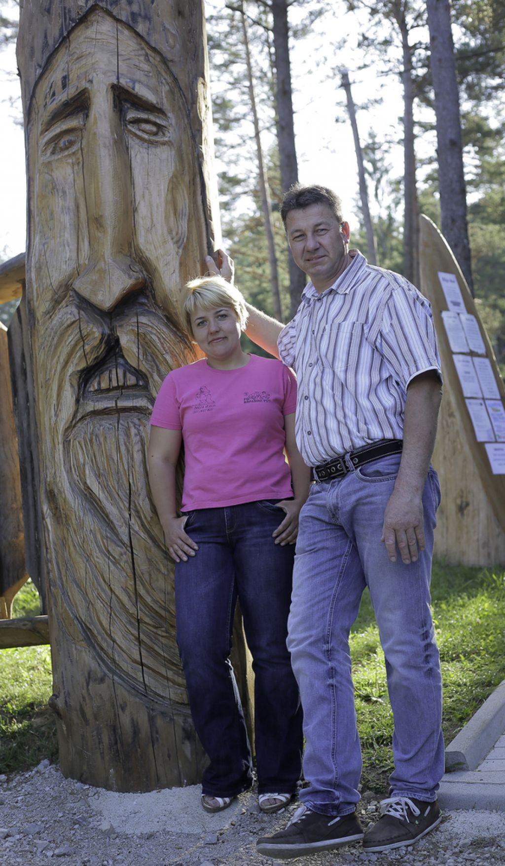 Lesena idila in medvedi s karakterjem na Bloškem jezeru