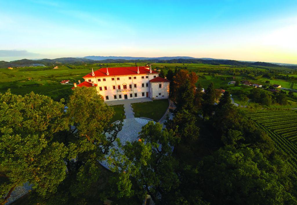 Bizjak Mlakarjeva: Obnovljena Vila Vipolže je slovenski ponos