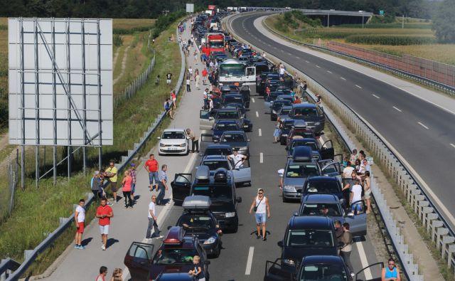 Kolone turistov na ptujski avtocesti, Hajdina pri Ptuju, 16.8.2014