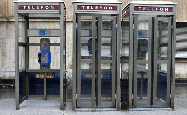 Telefonske govorilnice na Cigaletovi ulici. Ljubljana 30. julij 2015. [Cigaletova ulica telefonske govorilnice]