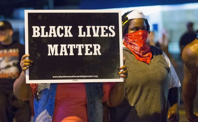 US-FERGUSON-TENSE-AFTER-SHOOTOUT-ON-ANNIVERSARY-OF-MICHAEL-BROWN