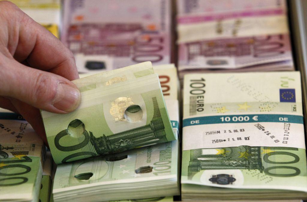 Revoltirana anketa: Evro je bil prava izbira