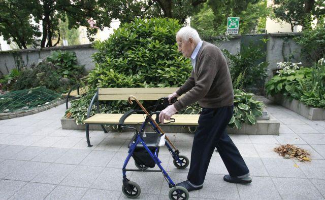 Niko Dragoš star 107 let v Ljubljani, 24. avgusta 2015 [Niko Dragoš,upokojenec,dom upokojencev Center, Ljubljana]