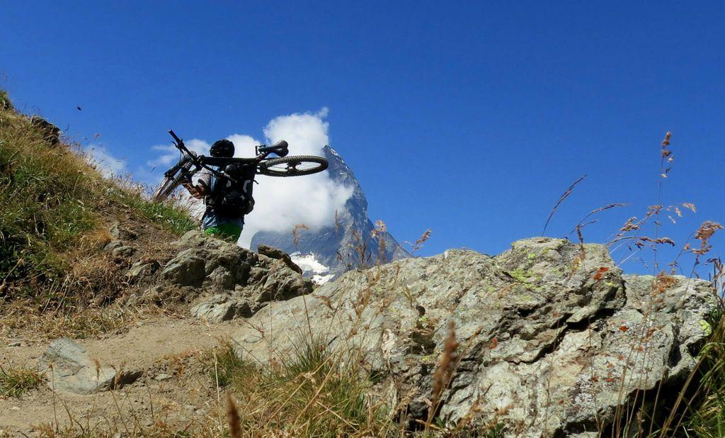 Planinskih poti ni, kolesarjem se smeji