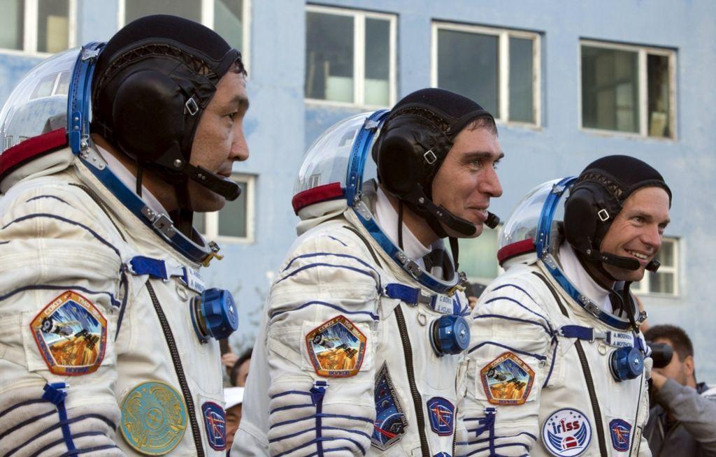 Trije astronavti uspešno poleteli proti ISS