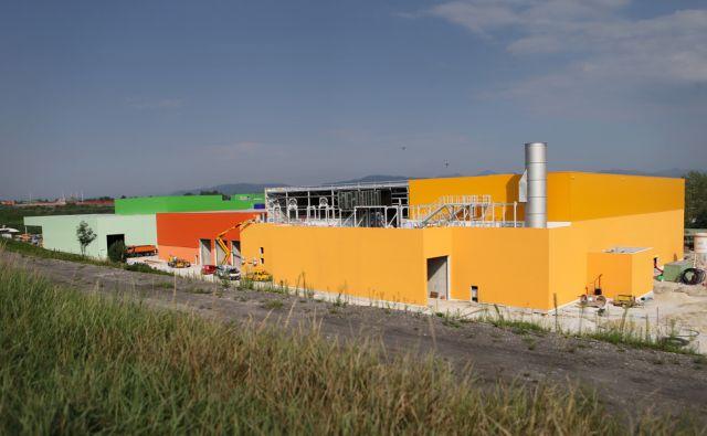 Center za ravnanje z odpadki 12.8.2015 Ljubljana Slovenija [odpadki,predelovalni centri,smeti,Ljubljana,Slovenija]