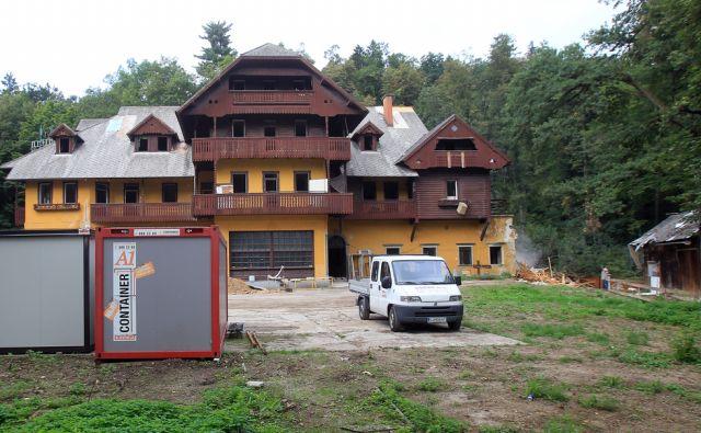 Prenova vile Švicarija v Tivoliju 03.septembra 2015 [Ljubljana,Tivoli,prenove,Švicarija,vile]