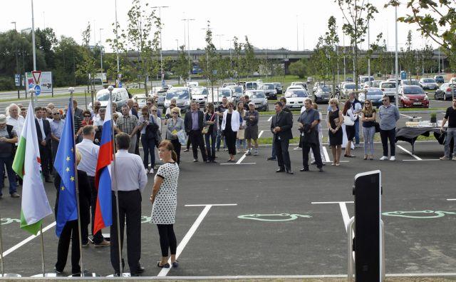 Otvoritev parkirišča na Viču Ljubljana 15.9.2015 {parkirišče,jankovič lpp}