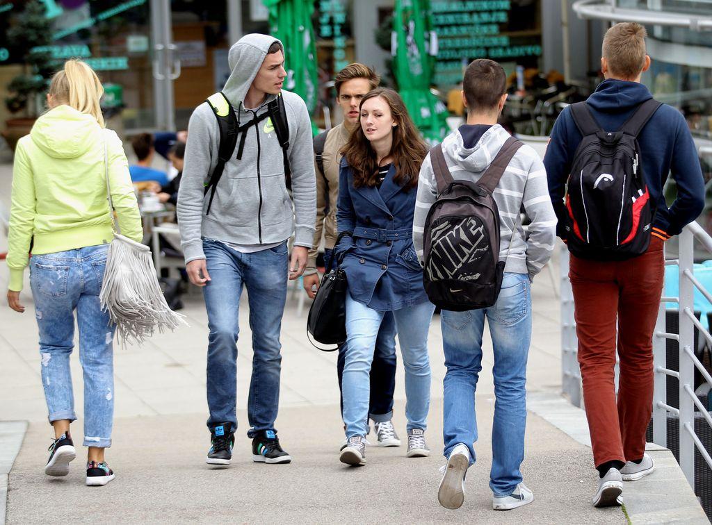 »Izbrisanim« študentom bodo vrnili zavarovanje, tudi za nazaj