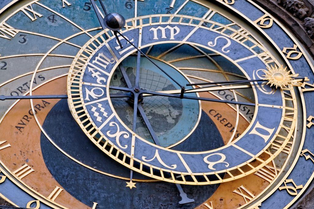 Denar za znanost bi lahko šel tudi astrološkim knjigam