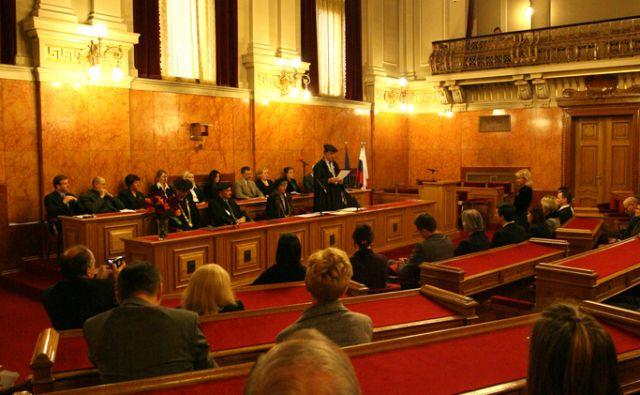 Slovenija, Ljubljana, 09 .01.2007. Novi doktorji znanosti. Foto Ljubo Vukelič /DELO