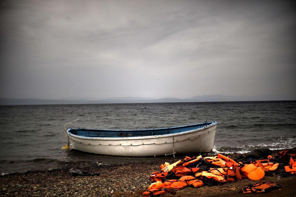 Racija v Turčiji: Kovanje dobička na nevarnih rešilnih jopičih in otroški delovni sili