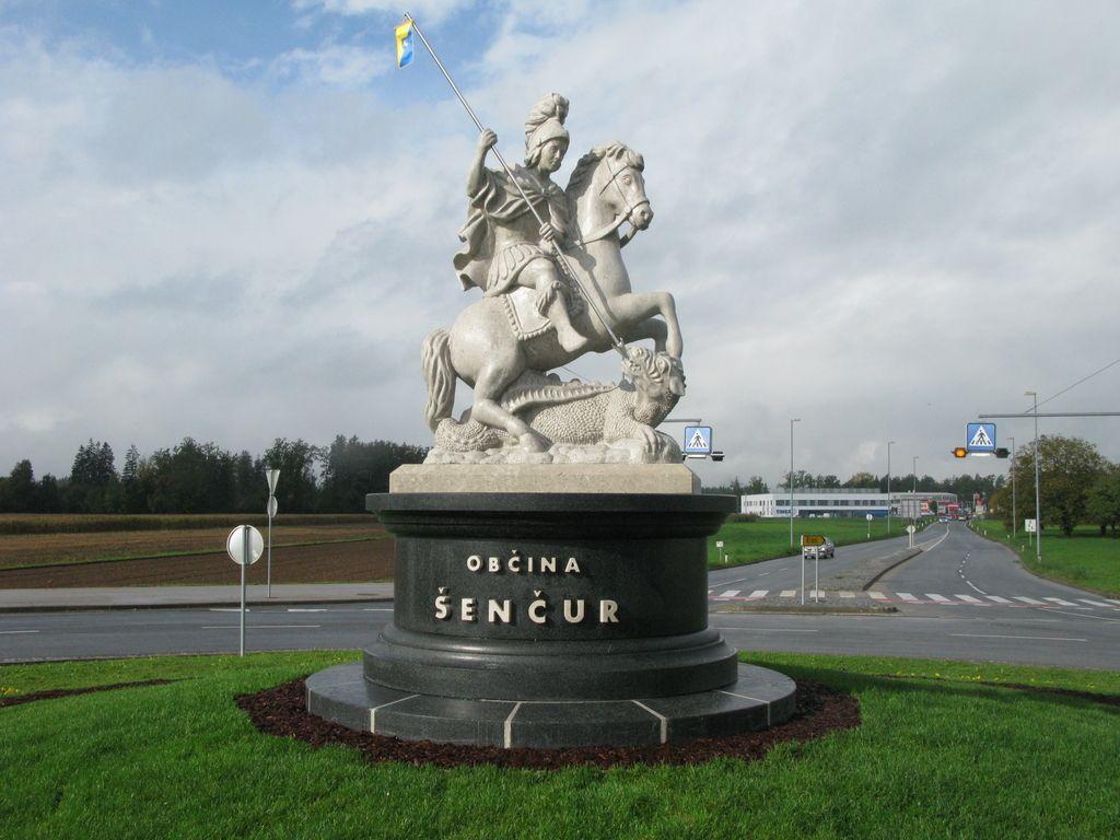 Županov sveti Jurij v Šenčurju stoji, plačan še ni