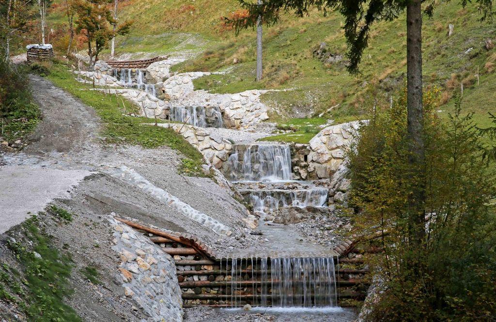 Nova kranjska stena ščiti bregove Blatnice