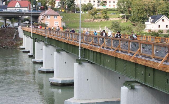 kotnik/most
