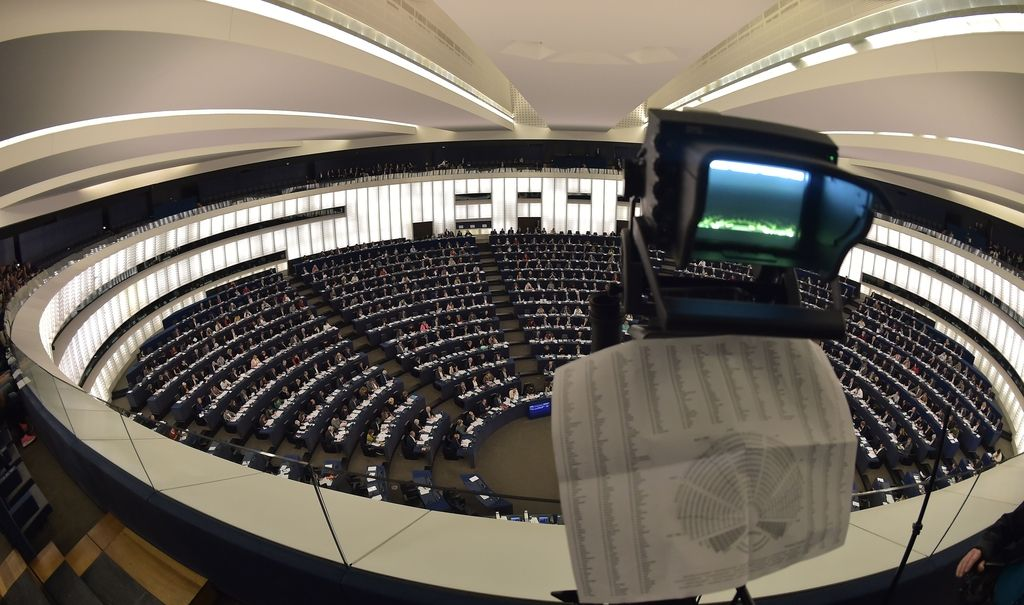 Projekt Evroposlanci: Kam gre denar, namenjen za pisarne poslancev?