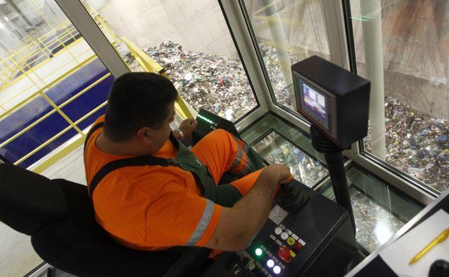 Novi regijski center za predelavo odpadkov Ljubljana 16.11.2016 [smeti,snaga,odpadki]