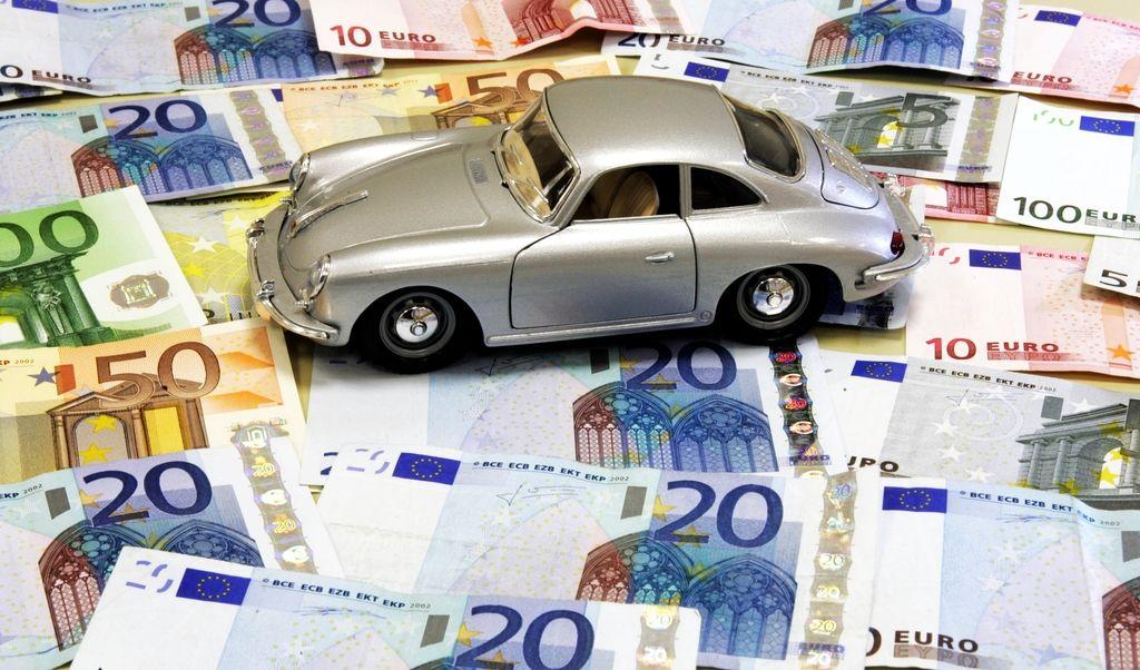 Kar 40 odstotkov podjetij v EU ima težave s korupcijo