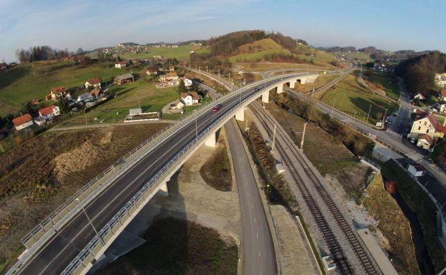 novi nadvoz Grobelno, Šmarje pri Jelšah, 28. novembra 2015 [Grobelno,ceste,nadvoz,železnice]