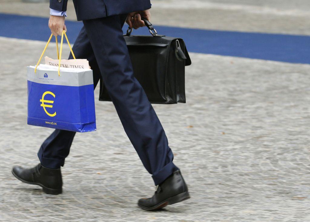 Okrevanje v območju z evrom se bo nadaljevalo