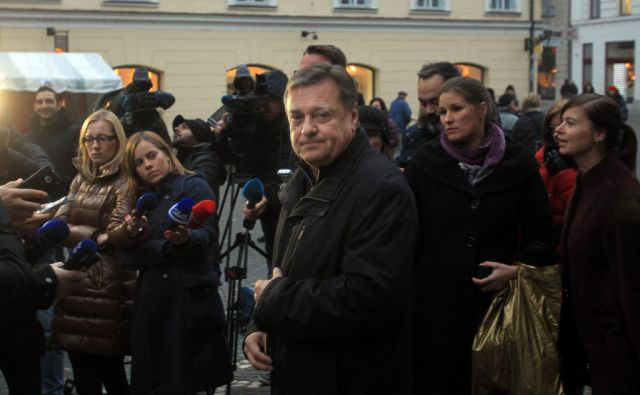 Izjava Zorana Jankovića pred Mestno hišo 18.decembra 2015 [Zoran Janković,Ljubljana,Mestna hiša]