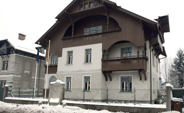 Vidmarjeva vila in spomenik ustanoviteljem OF. Ljubljana, 6. januar, 2016.[Vidmarjeva vila,vile,spomenik OF,spomeniki,Rožna dolina]