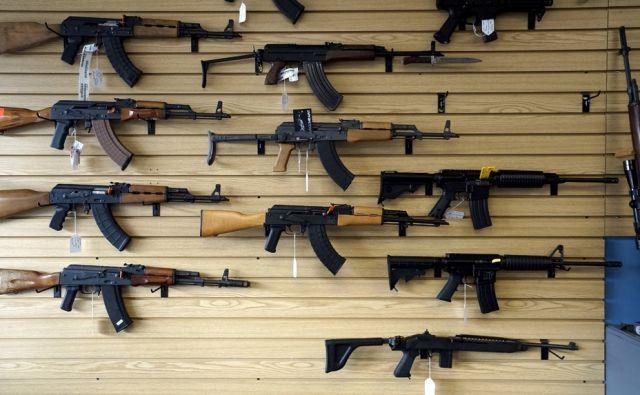 reu CALIFORNIA-SHOOTING/GUNSALES