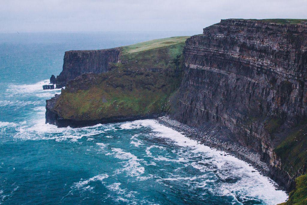 Neukročene obale zelenega otoka