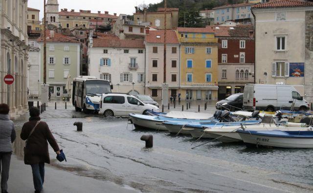 Morje poplavilo