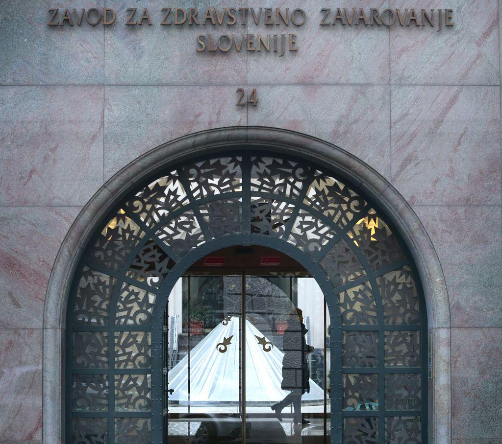 Ministrstvo in ZZZS v sporu zaradi beguncev