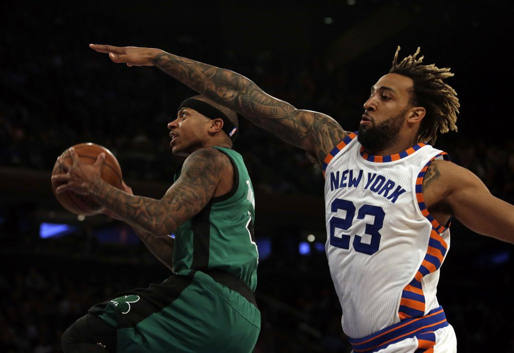 NBA: zmaga Kratkohlačnikov, poškodba Carmela, Vujačič na klopi (VIDEO)
