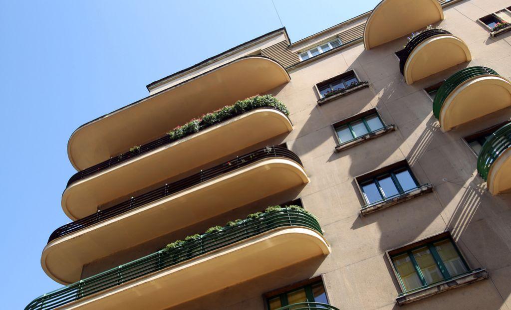 V 50. največ idej za rešitev stanovanjskega vprašanja