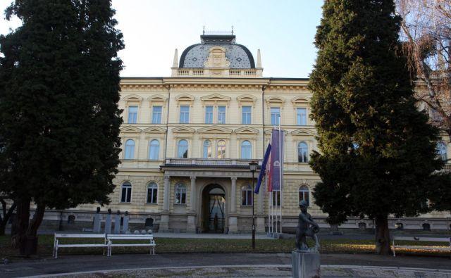 Slovenija, Maribor, 27.12.2011 - rektorat mariborske univerze  foto:Tadej Regent/Delo