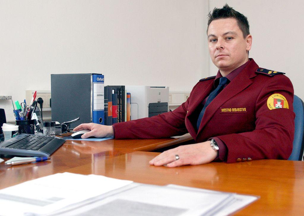 Največ dodatka za pripravljenost med inšpektorji in redarji dobila šefa