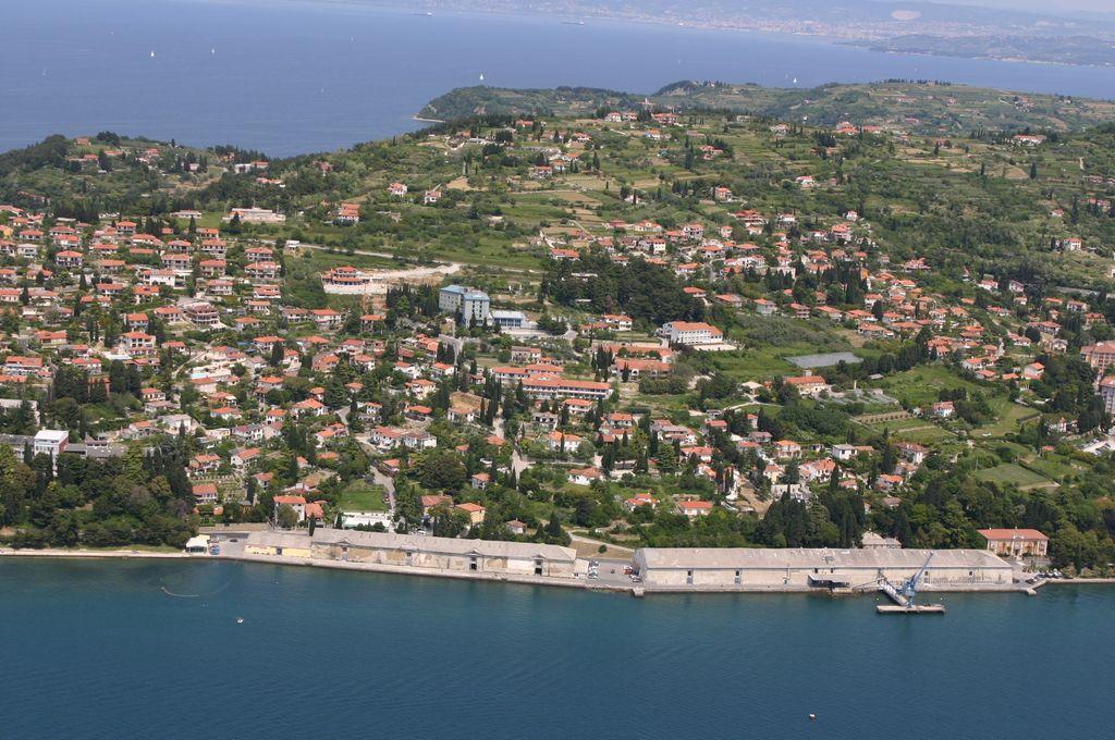 Občina Piran poskrbela zase, ne pa za lastnike zemljišč