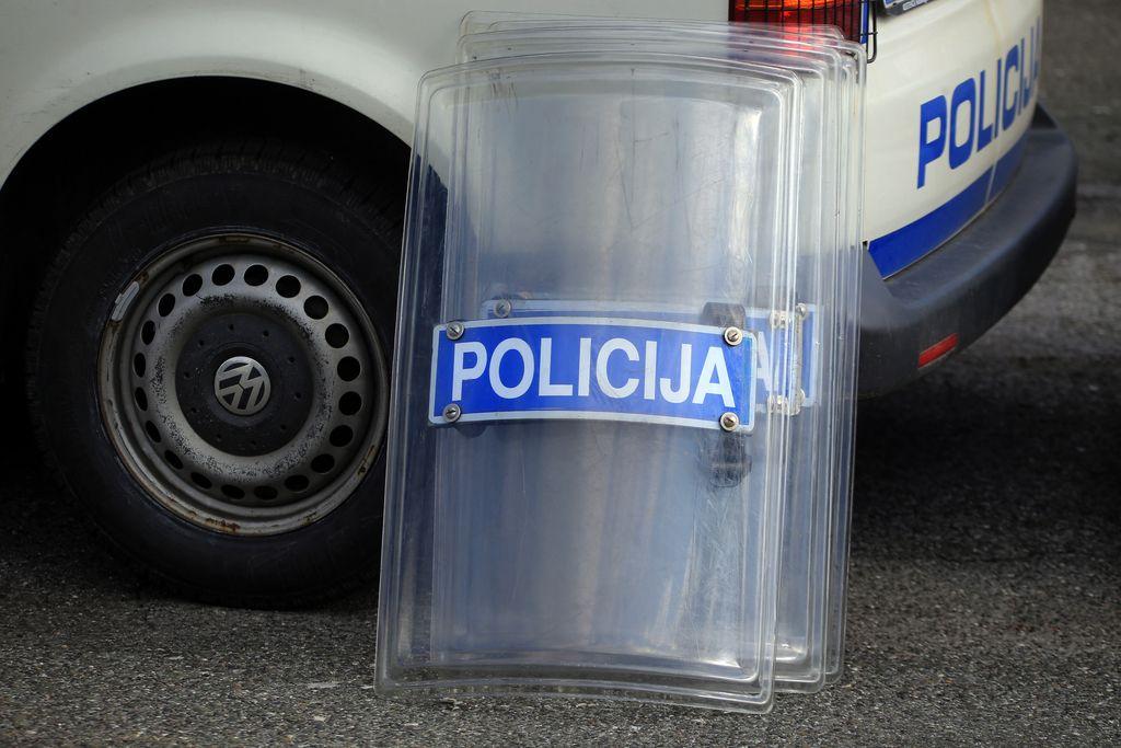 Odmevnejši napadi na policiste
