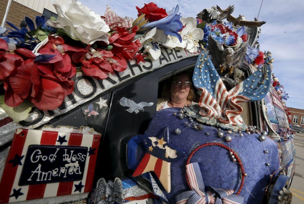 V Iowi slavil Cruz, zmago razglasila tudi Clintonova